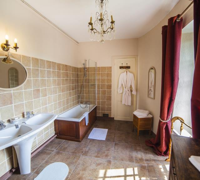 Bathroom for Belle ecossaise suite