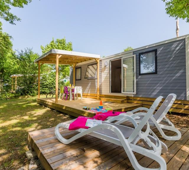 Camping Yelloh ! VIllage Le Pin Parasol 5 étoiles - Cottage 4fl Sensations 2ch 2sdb (33)