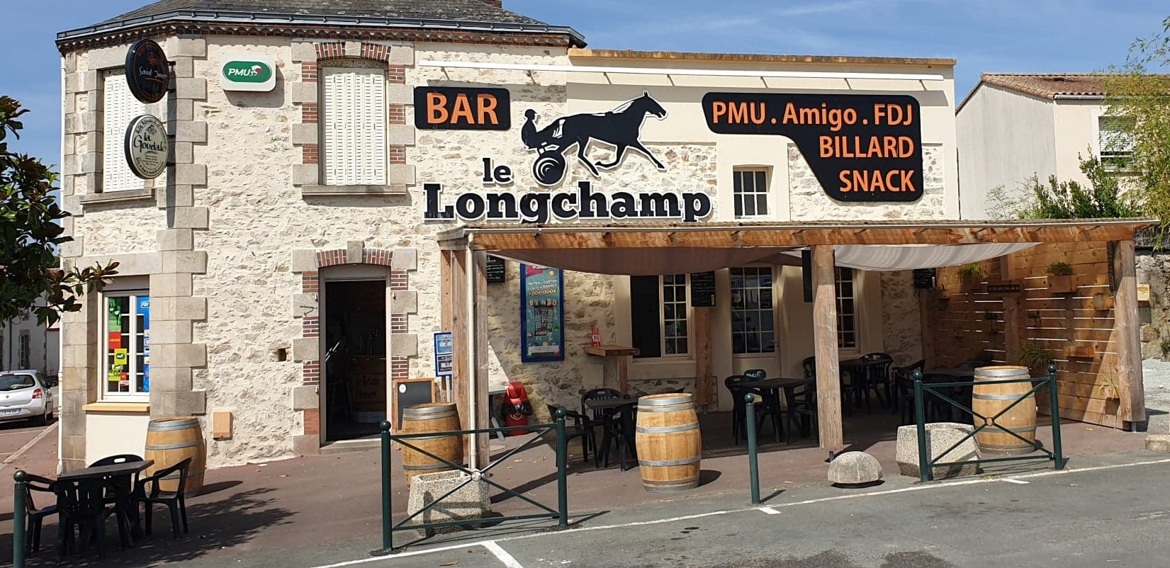Le-Longchamp-Bar
