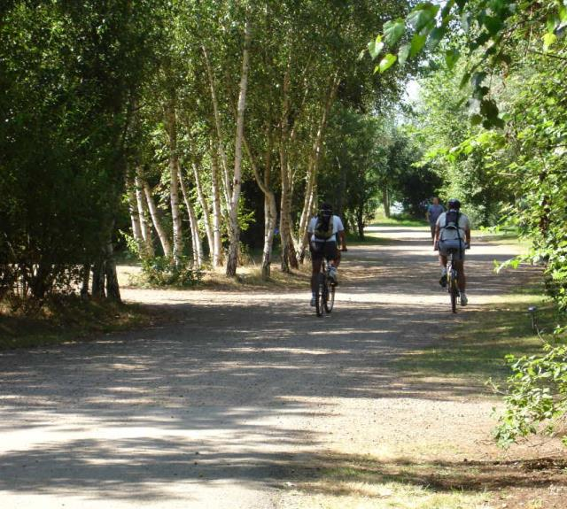 camping-givre-grisse-camping-proche-piste-cyclable