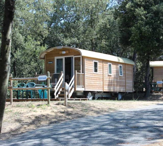 camping-jard-mer-ventouse-roulotte