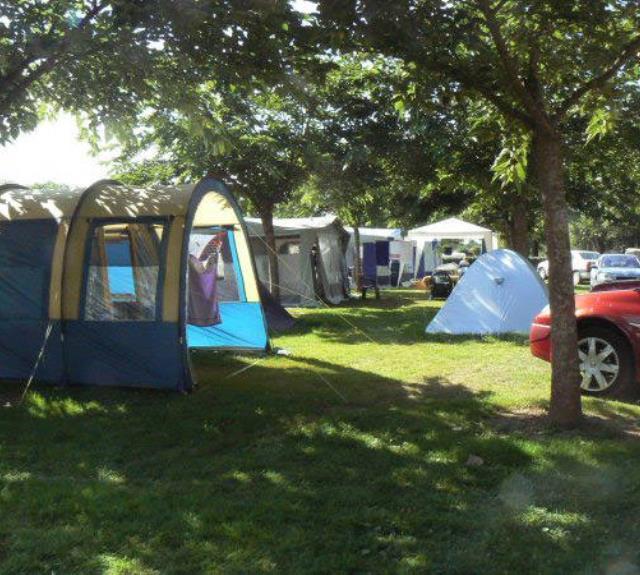camping-moutiers-mauxfaits-bois-bouquet-emplacement-tente