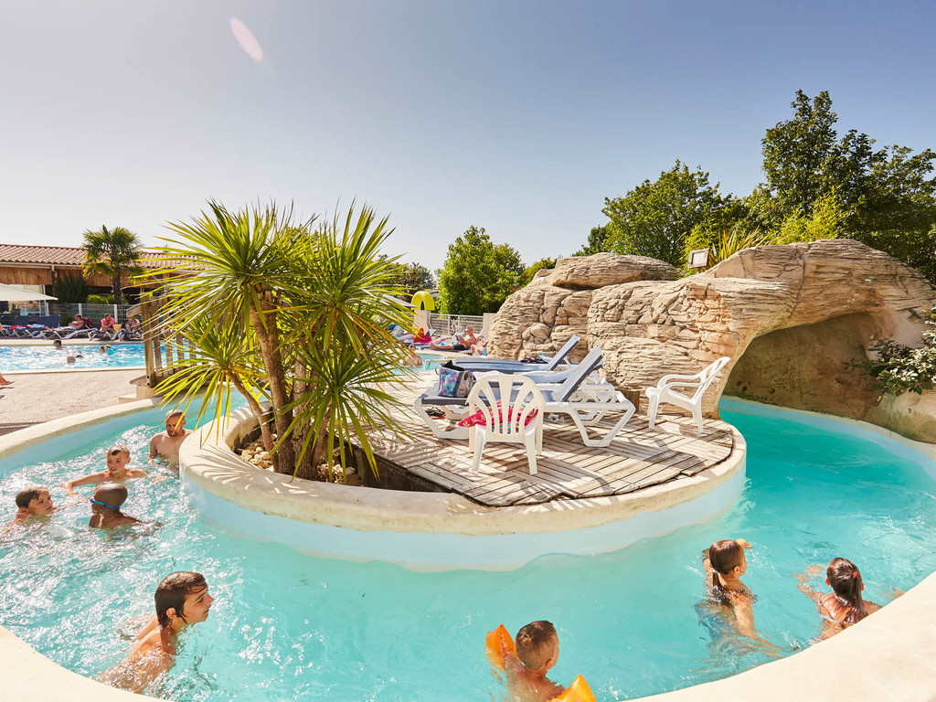 camping-st-hilaire-foret-grand-metairie-piscine-riviere