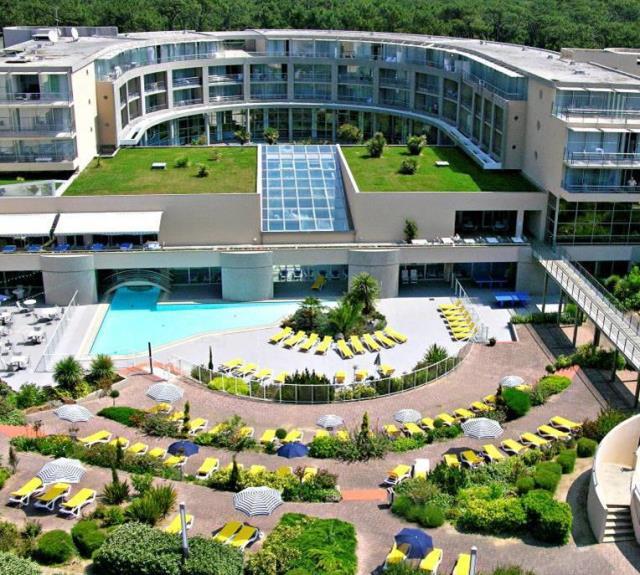 hotel-talmont-st-hilaire-jardins-atlantique-hotel-club